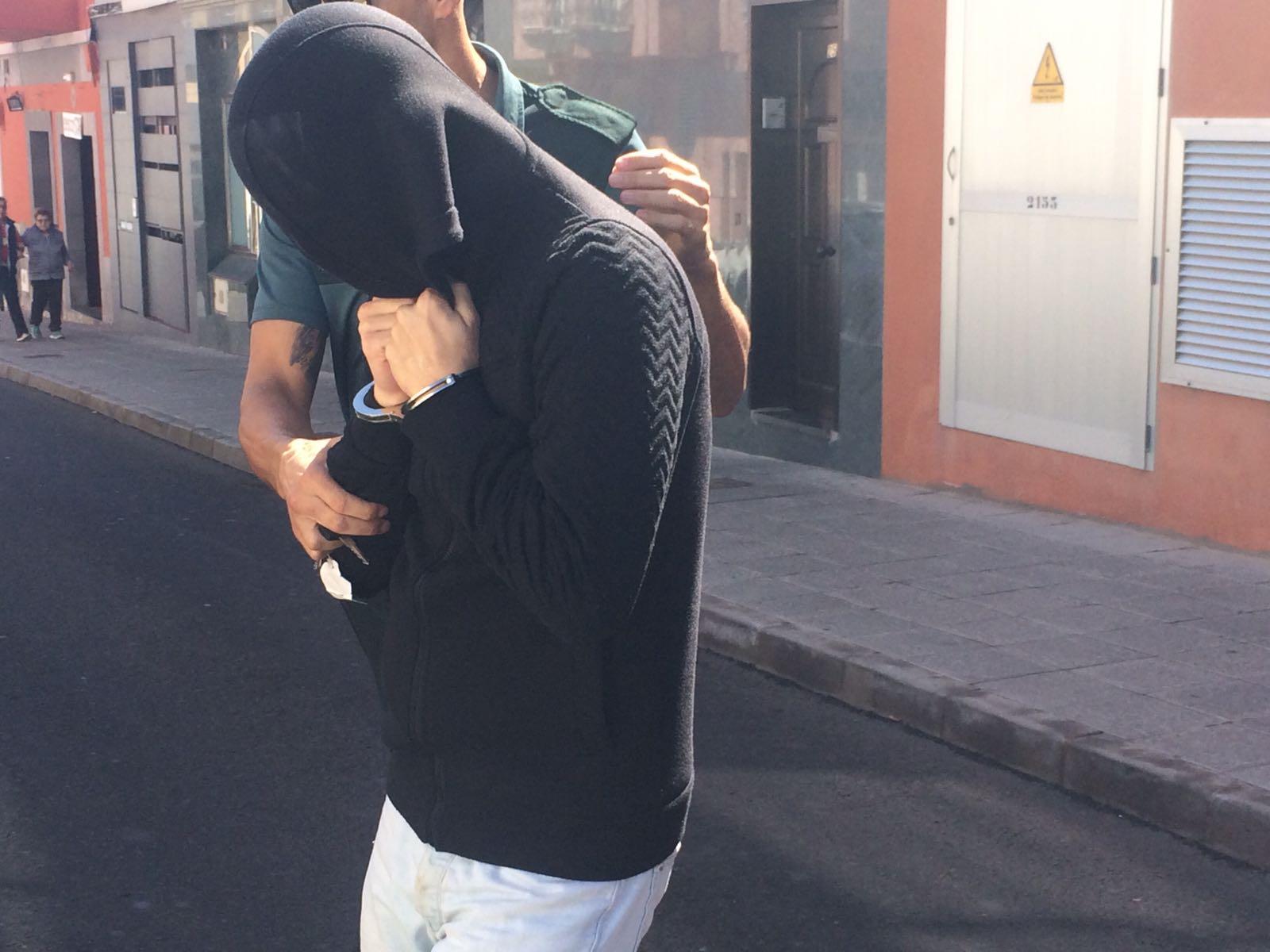 El militar acusado del asesinato de una mujer en Fuerteventura dice que fue un accidente